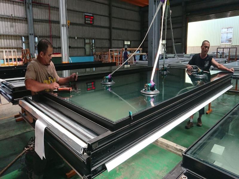 精全工業 - 帷幕牆廠商 - 玻璃石材安裝
